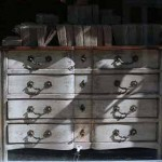 sold30 early 19c galbe commode